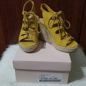 JUSTFAB Cami yellow suede wedge size 5.5